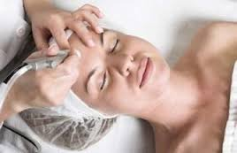 FAQ's About Diamond Tipped Microdermabrasion By Lavish Skin - Call Us On 03 5762 8404