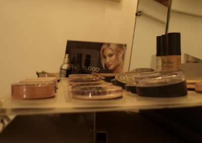 Youngblood mineral makeup - Lavish Skin Therapy Clinic-beauty salon Benalla 03 5762 8404